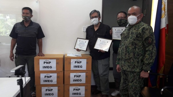 pnp receives donation